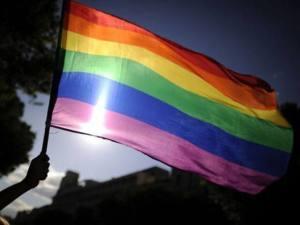 size_590_bandeira-gay